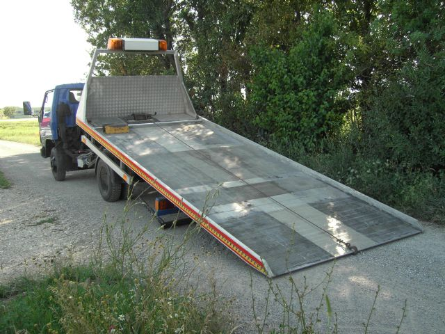 abschleppwagen toyota dyna 7 5t. Black Bedroom Furniture Sets. Home Design Ideas